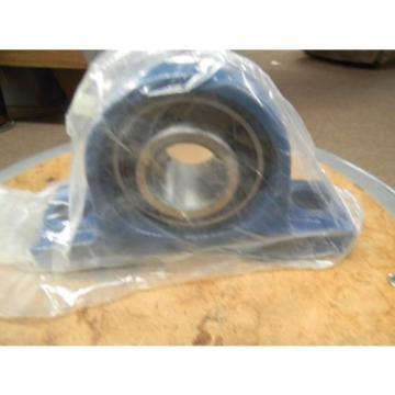 FS Bearing Units Pillow Block Bearing  1 7/16  / wit UC 207-20 Bearing